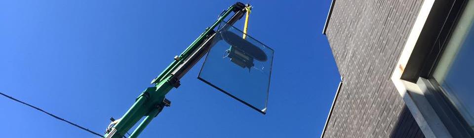 Plaatsen van nieuw glas na glasschade
